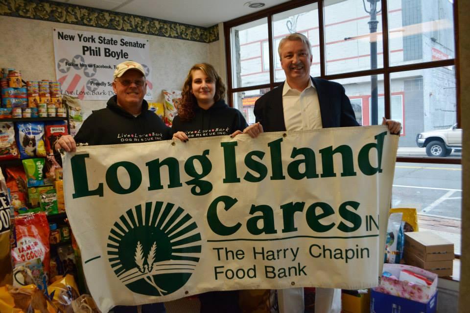 Leon, Venessa, and NYS Senator Phil Boyle at the food drive!